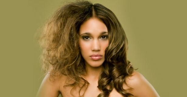Suche włosy - regeneracja zniszczonych włosów